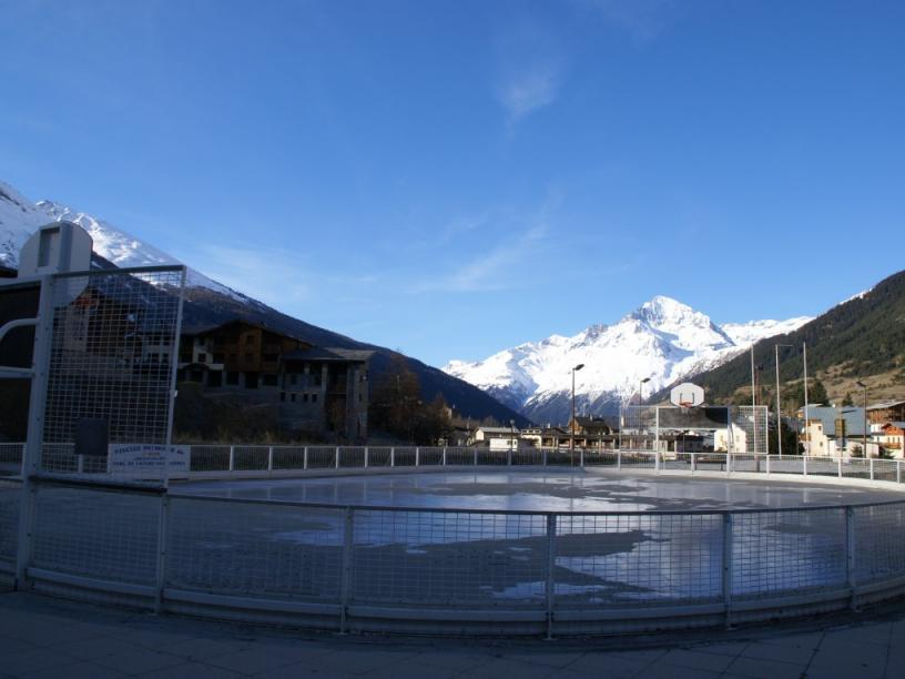 Les Edelweiss : Terrains de Jeux centre-edelweiss-vacance_06485030-.jpg