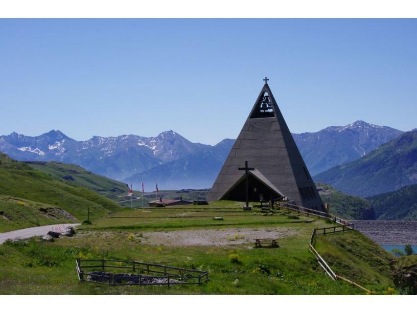 Les Edelweiss : La Pyramide du Mont-Cenis centre-edelweiss-vacance_32013568-.jpg