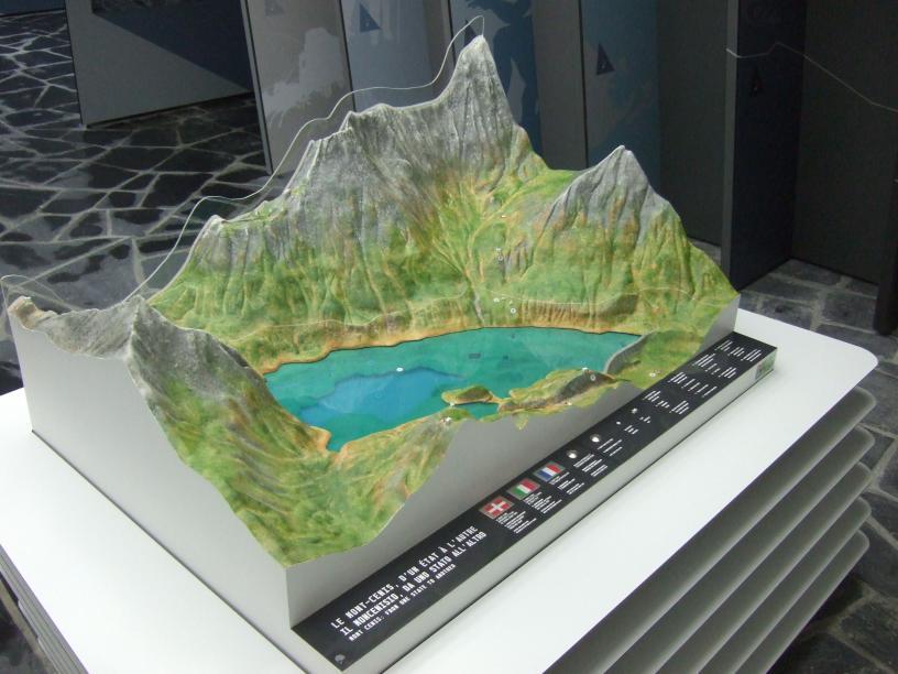 Les Edelweiss : La Pyramide du Mont-Cenis centre-edelweiss-vacance_37254856-.jpg